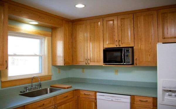 Best Polyurethane for Kitchen Cabinets