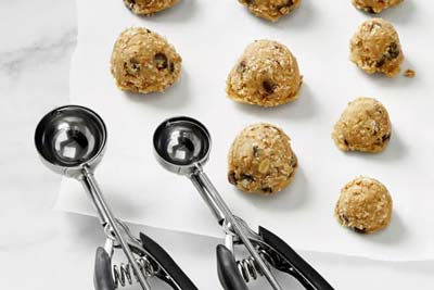 Benefits of Using a Cookie Scoop