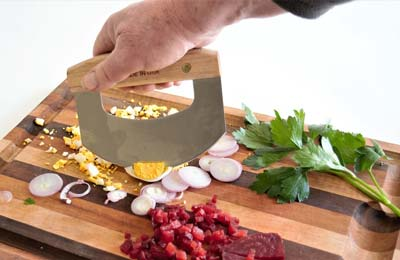 What to Look Before Buying a Salad Chopper?