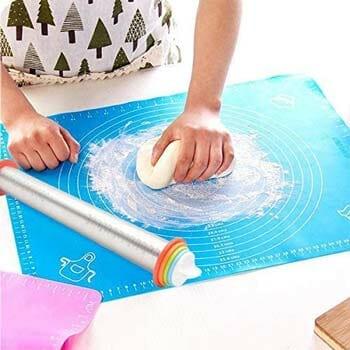 ANREONER Rolling Pin and Baking Mat Set